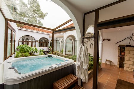 Luxury Canary Cottage with Jacuzzi - Teror - Rumah