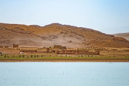 Ecolodge l'île de Ouarzazate - Room for 1 to 6 p - Ouarzazate - Bed & Breakfast