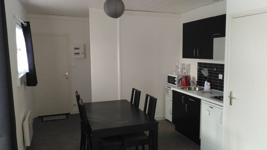 appartement au coeur de st pol de leon - Saint-Pol-de-Léon - Apartment