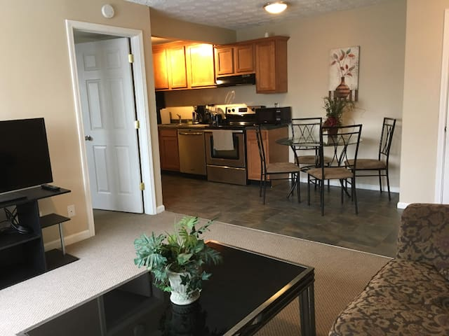 Home Comfort, Free Parking, UC, Hospitals&Downtown