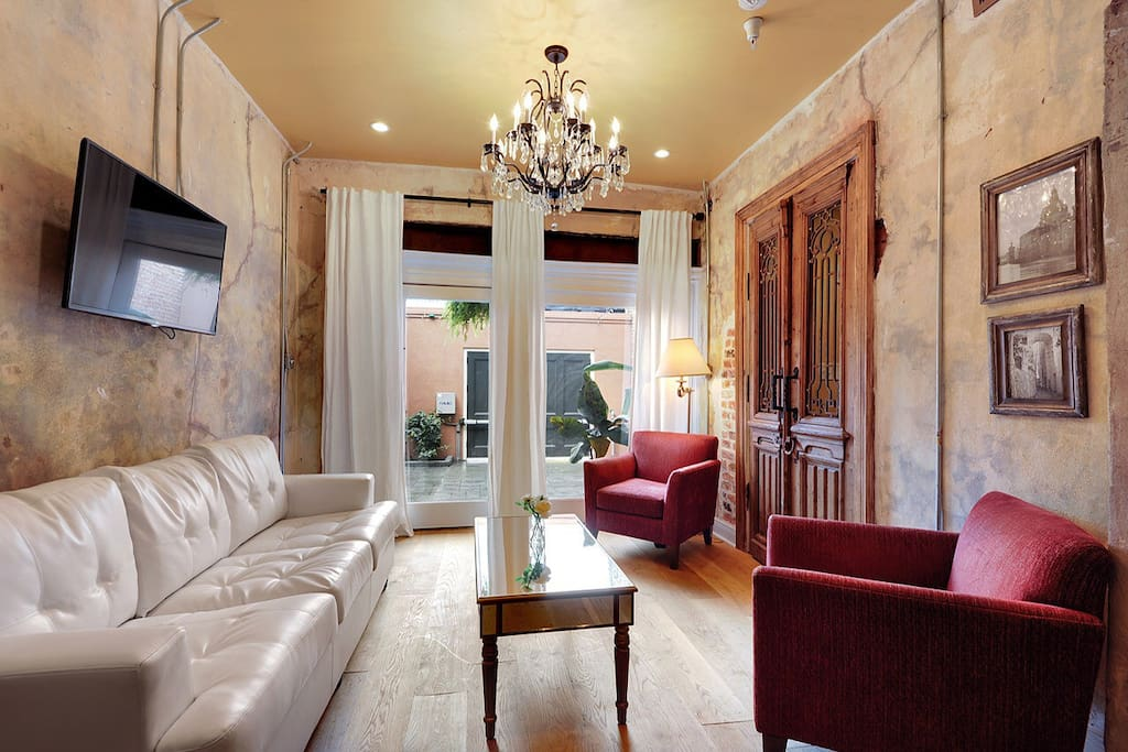 French Quarter Gem Steps To Bourbon Condominiums For Rent In New Orleans Louisiana United States