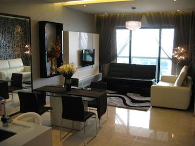 1 Bedroom @ Marina Bay Vicinity