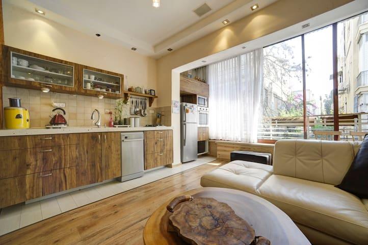 luxury bungalow DIZINGOF142 SOHO style