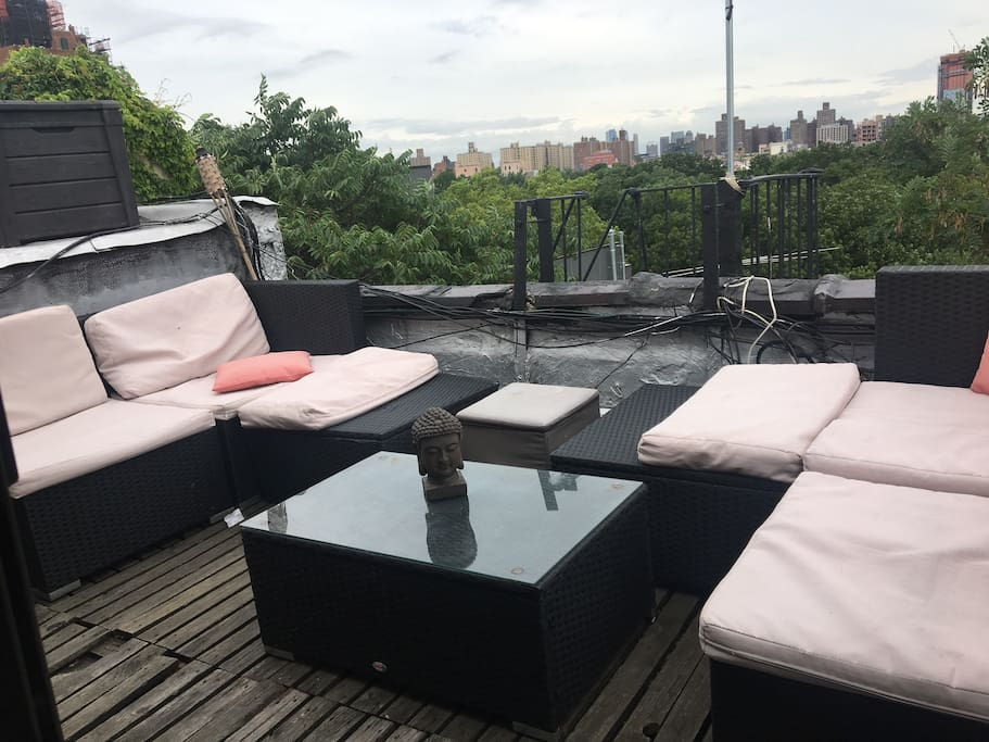 Rooftop with outdoor sofa and hamac (if needed)