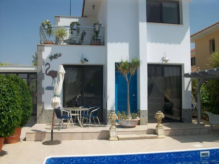 One bedroom Pyla tourist area,200m to the beach