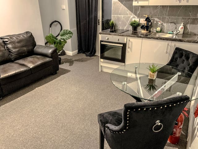 One Bedroom with big Privait patio central London