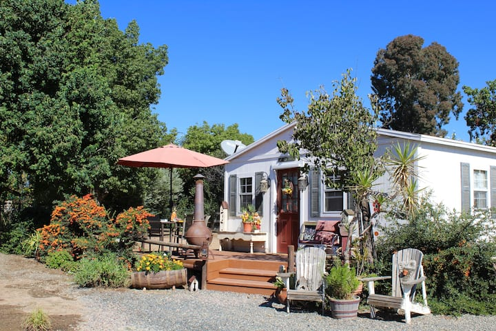 Wine Country Gardens Cottage Guesthouses For Rent In Murrieta