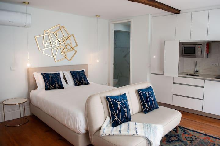 Deluxe Suite w/ City View - Guimarães In