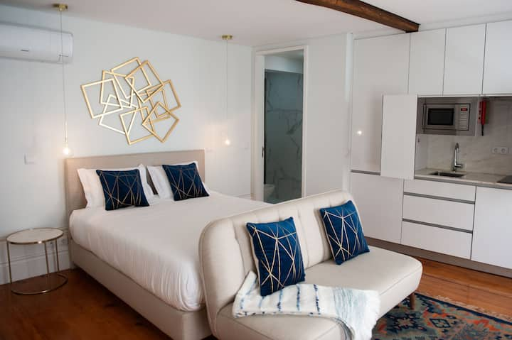 Deluxe Suite w/ City View - Guimarães In