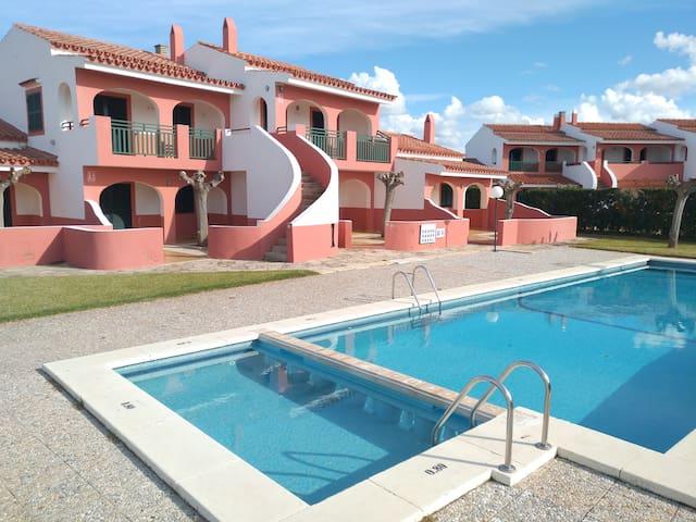 Apartamento dos dormitorios, piscina, WIFI