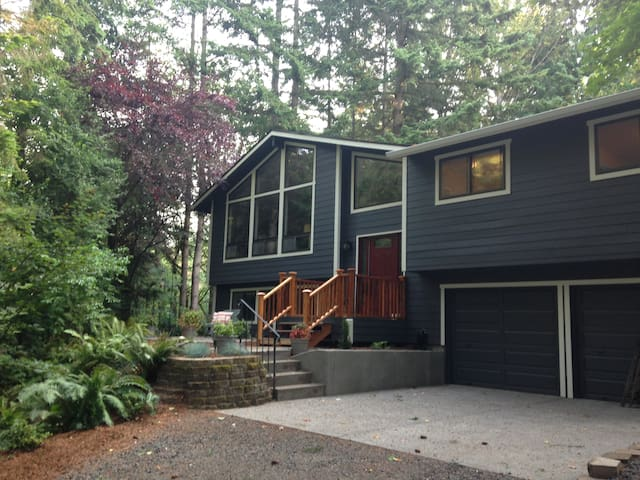 Lux Fireplace Guest Suite/Studio & Forest Views - Poulsbo - Leilighet