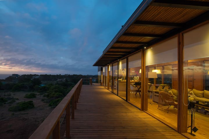 Stylish Beach House in Pure Nature - Tunquen