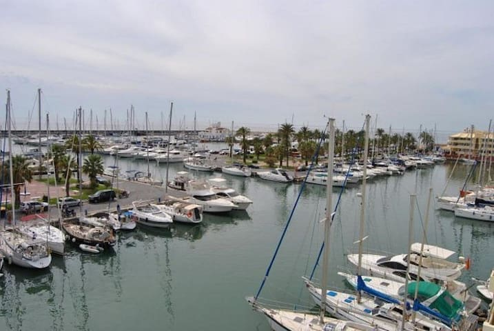 Atico con vistas sobre el Puerto y el Mar