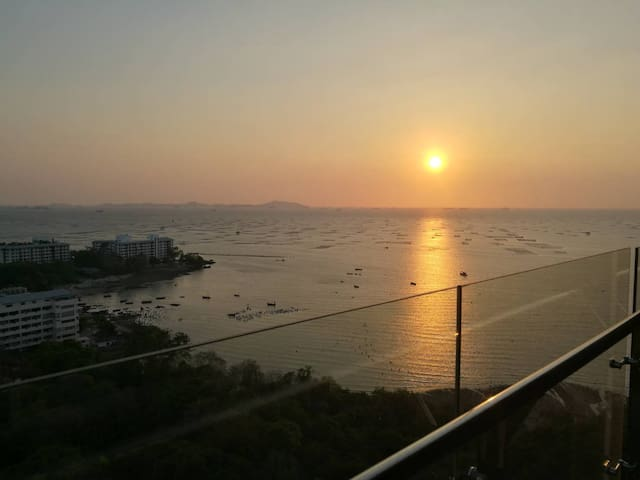 Sea+Sunset View/Hot Onsen/Near Downtown Sri-Racha