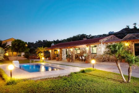 Villa with 3 bedrooms-Private pool - Faliraki