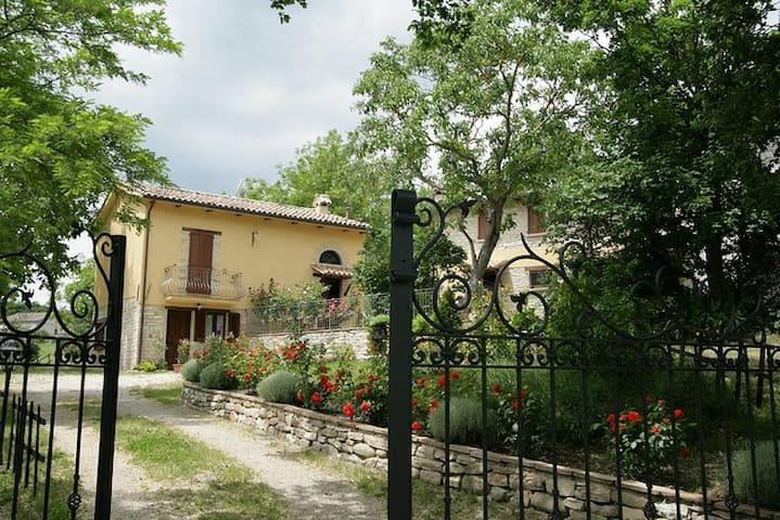Girasole-appartamento con piscina - Via Stratta - Wohnung