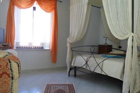 Appartamento su due livelli - Viceno - Appartement