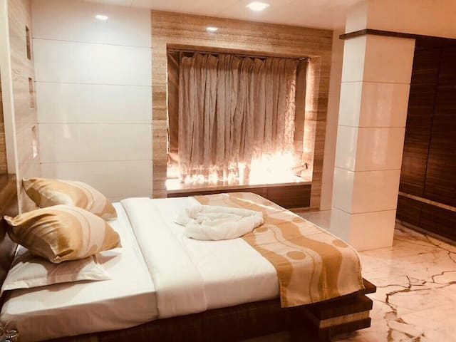 BEST STAY WITH LUXURY FURNITURE  ,WORLI,PRABHADEVI