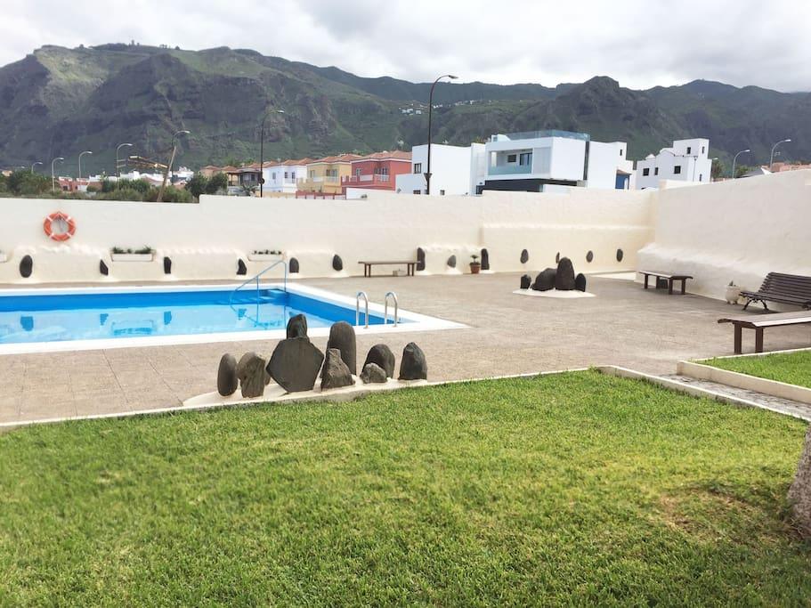 piscina -jardín.