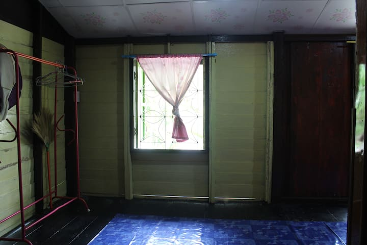Phangan House 2 bedroom fan for 4 person