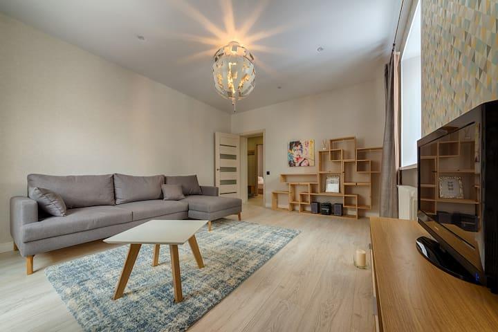 3-комнатная квартира,переулок Броневой,10