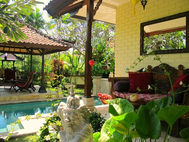 Villa w. pool, sea & volcano view!  - Karangasem Sub-District - House