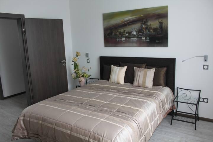 Chambre 1 avec lit de 160x200