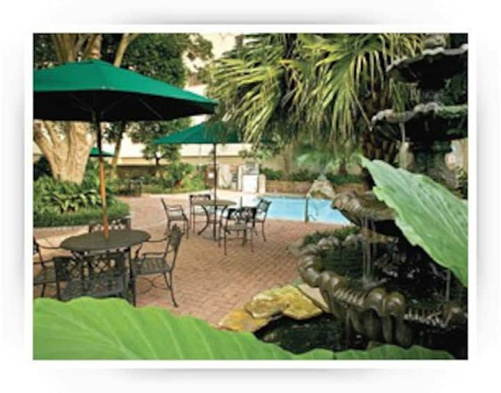 Historic UPTOWN NEW ORLEANS Resort