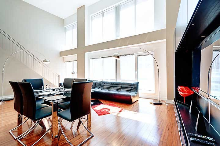 Stunning 2-Floor Loft At The Gate Of Old Montreal