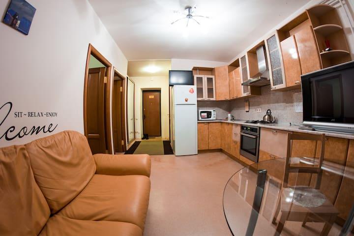 Современная квартира с 2 спальнями у стен Кремля - Nizhnij Novgorod
