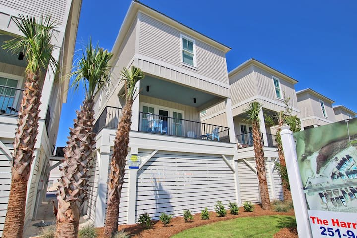 West Side Cottages Unit B - Brand New 4BR Only Steps from the Beach!