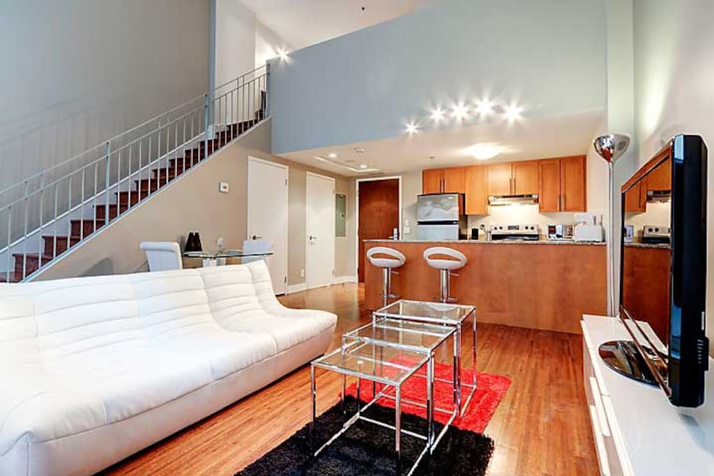 Large 2 Floor Apartment Steps From Square Victoria Apartments For Rent In Montreal Quebec Canada