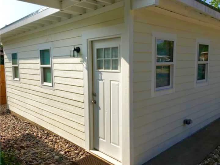 Modern South Austin Micro-unit (Monthly rental)