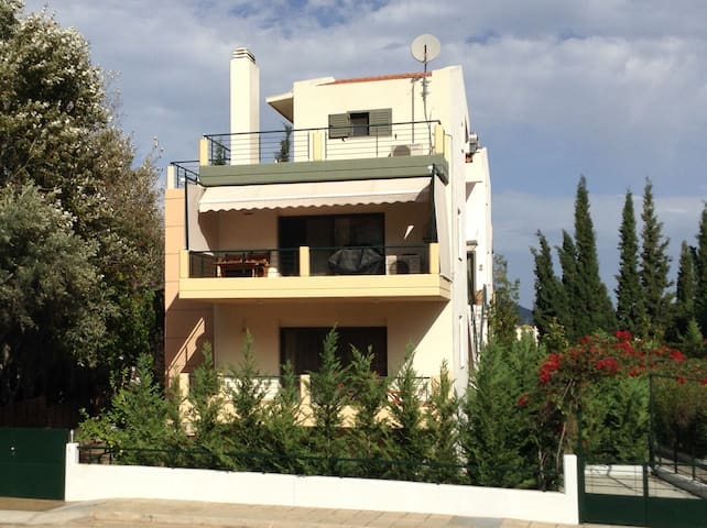 NEAR AIRPORT AND ATHENS - Πόρτο Ράφτη - Apartment