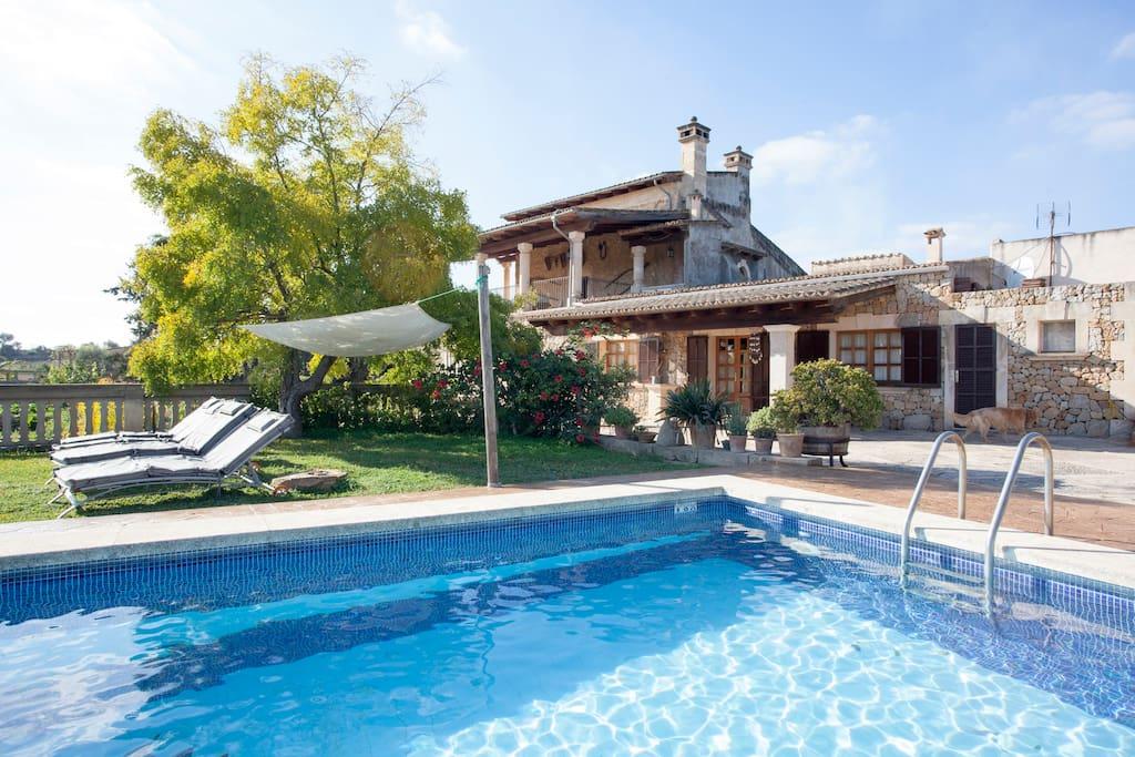 Apartamento rural con piscina apartamentos en alquiler for Apartamentos en madrid con piscina