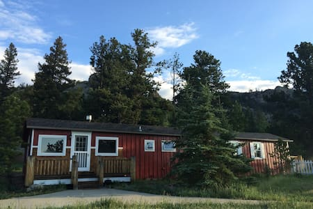 Mountain view, pet friendly cabin - Estes Park - Hus
