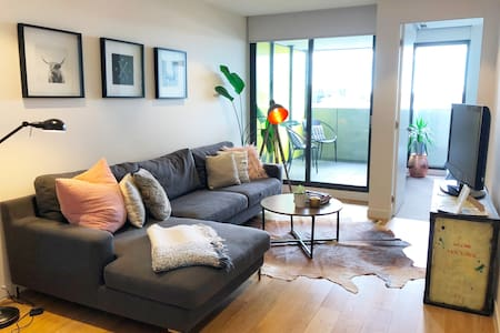 **Slick and stylish apartment in all the action**