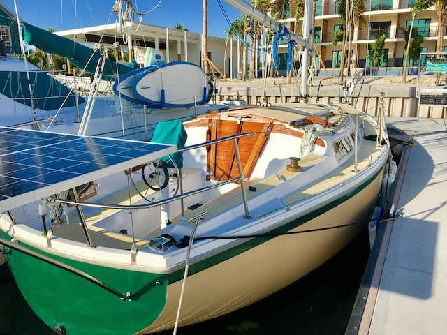 Beautiful  New Cozy Yacht in a Nice new Marina - Cayo Os - Vaixell
