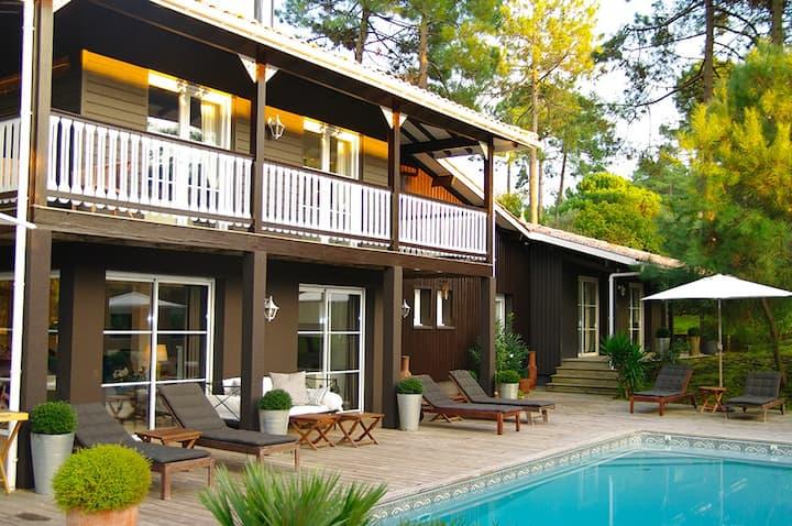 très belle villa entre golf et océan à Lacanau