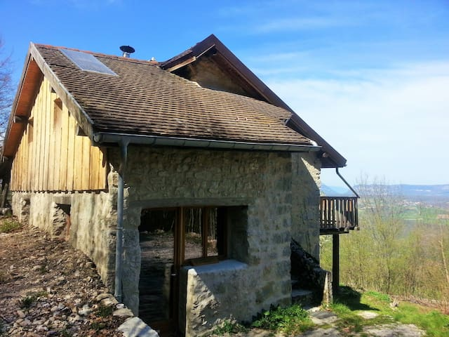 Eco refuge Grand Colombier et Seyssel Haute Savoie - Corbonod - Earth House