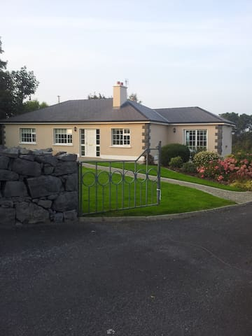 Country house on large site - Galway - Ház