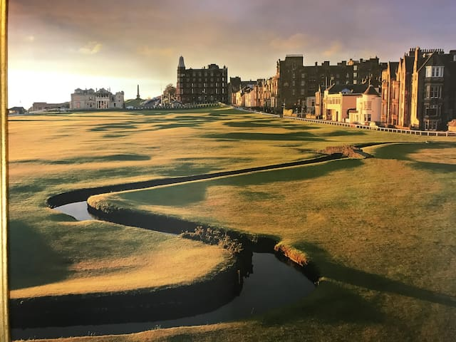 A home at 18th fairway of Old course