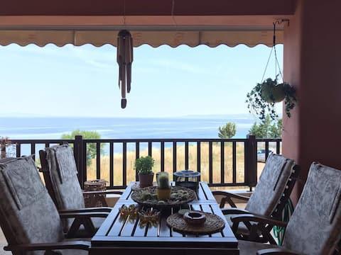 Vacker lägenhet i Afytos  med havsutsikt..!!!