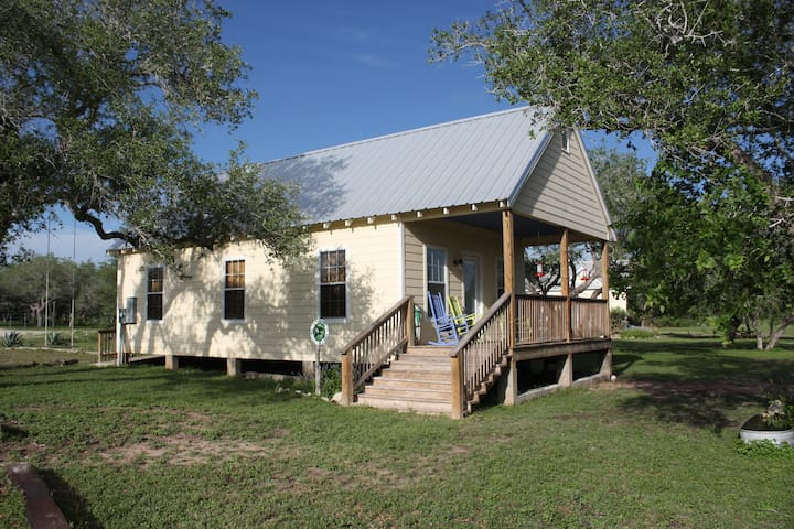 Green Jay Cottage at Barnhart Q5 Ranch