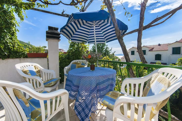Studio Apartment, seaside in Bol - island Brac, Terrace