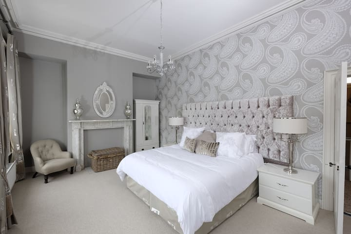 5* Georgian Townhouse Enniskillen