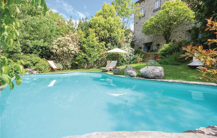 Semi-Detached with 4 bedrooms on 197 m² in Castel S.Vincenzo (IS)