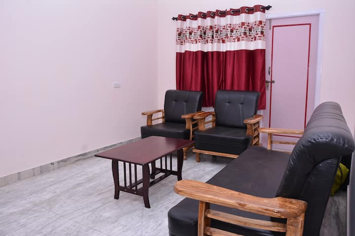 2 BHK Entire Apartment in Calm & Posh Location
