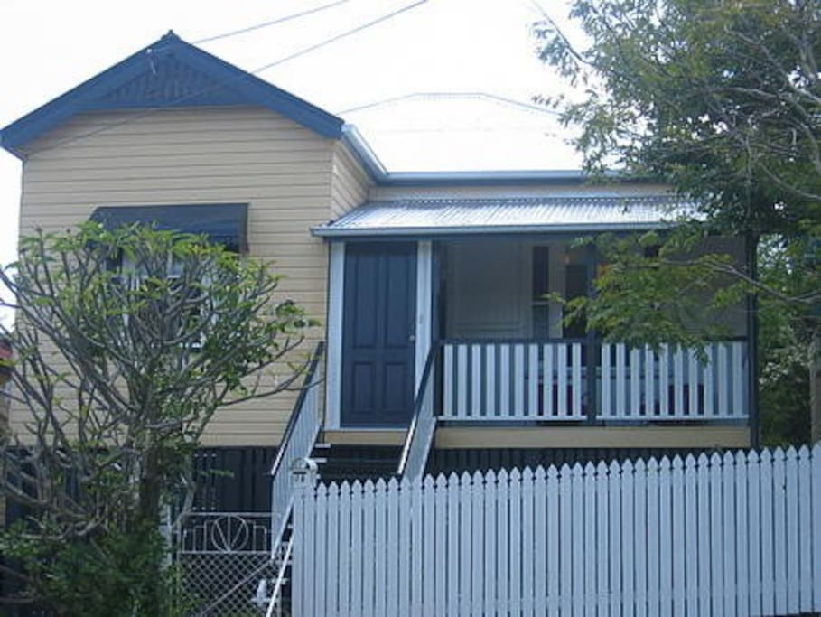 3 Bedroom Inner City House Houses For Rent In West End