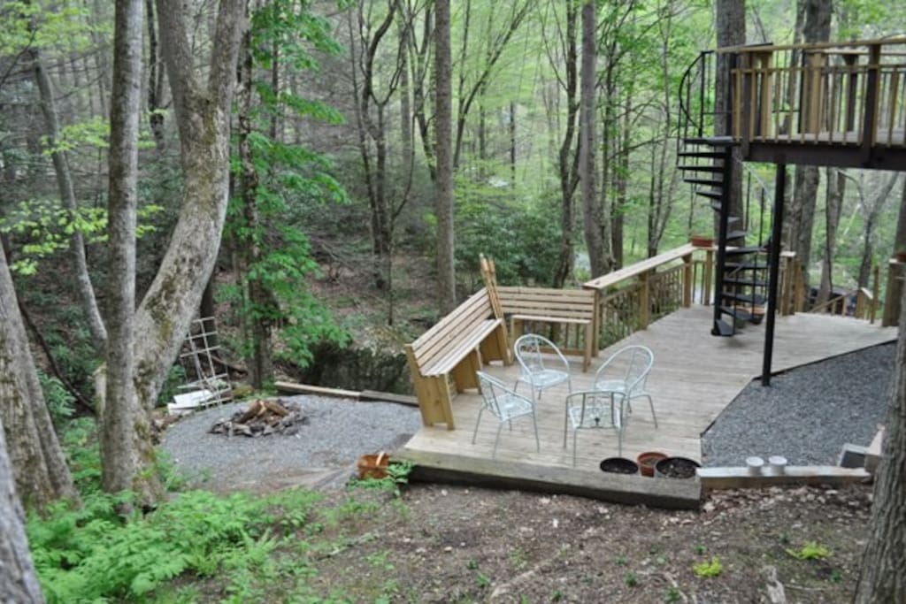 Enjoy great relaxation and entertaining at the fire pit, grill and deck area just outside the studio entrance.